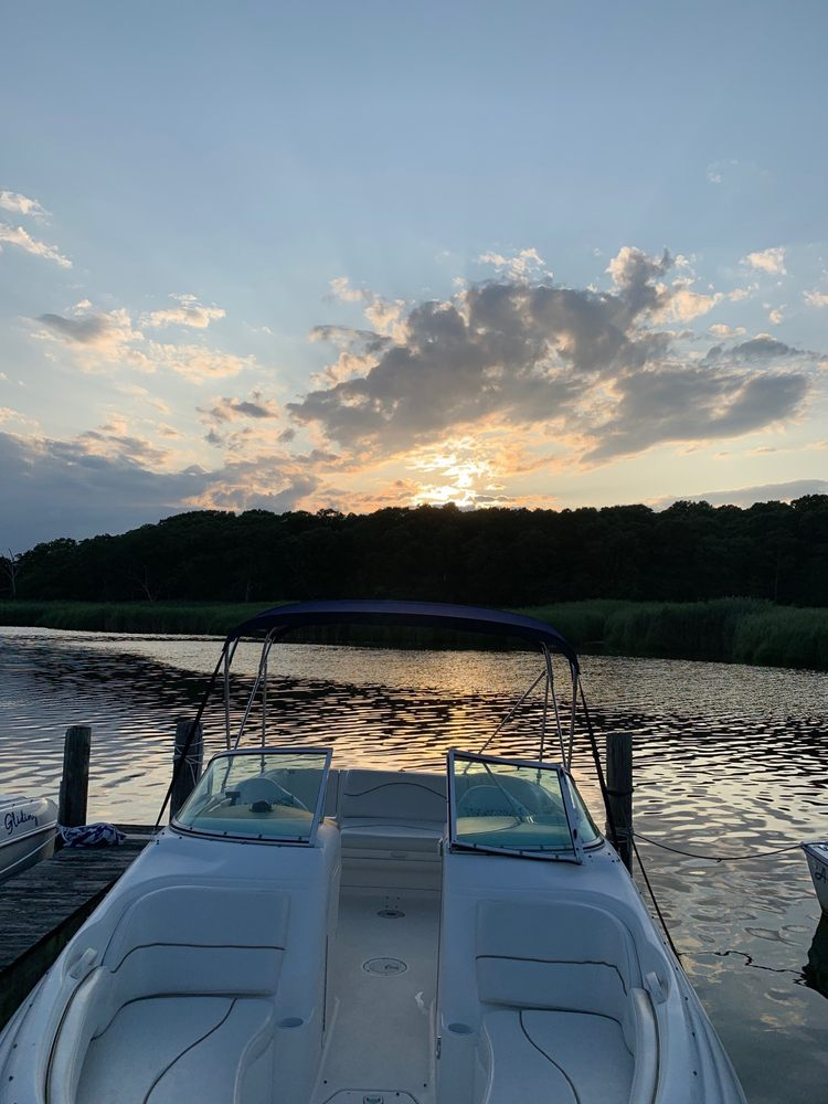 Aquamarina Sunset Harbour: 90 Colonial Dr, East Patchogue, NY