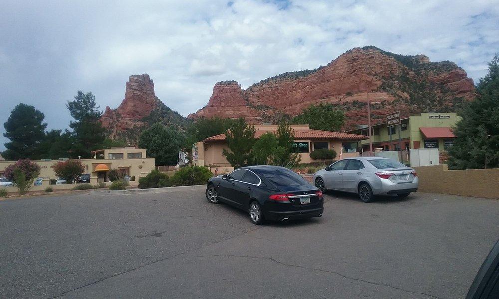 Top Hat Taxi & Tours: 4500 E Crystal Dr, Flagstaff, AZ