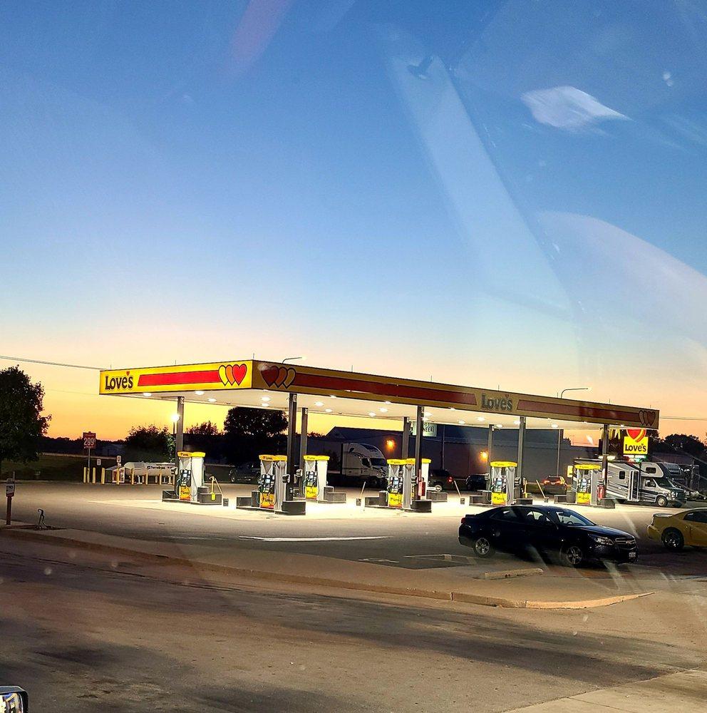 Love's Travel Stop: 3020 E 8th Rd, Utica, IL