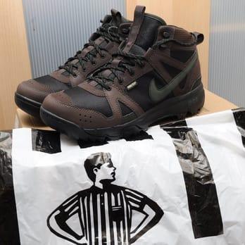 Foot Locker - 19 Reviews - Shoe Stores - 9015 Queens Blvd