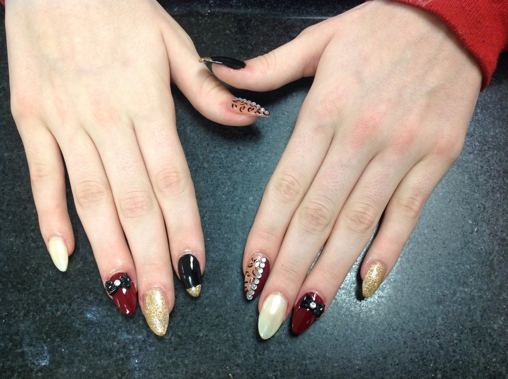 Magic Nails: 7800 Shawnee Mission Pkwy, Overland Park, KS