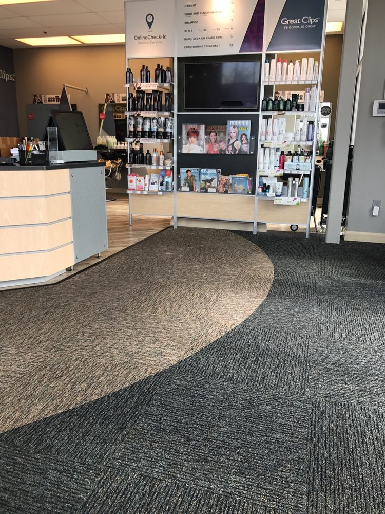 Great Clips: 3344 Hikes Ln, Louisville, KY
