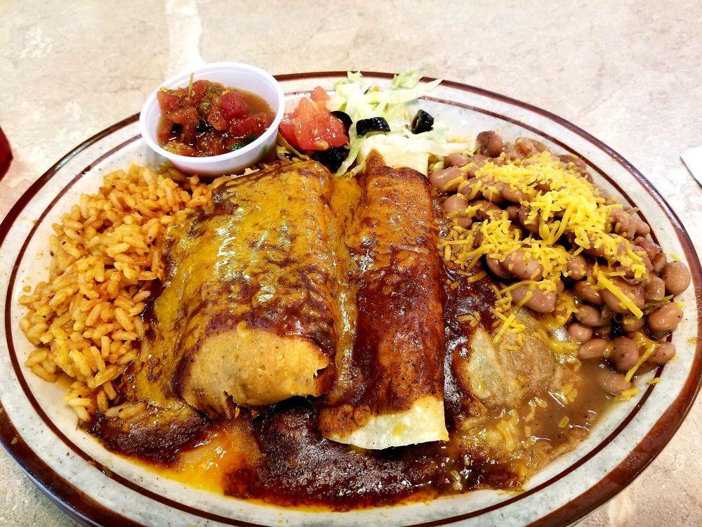 Luchia's Restaurant: 15797 S Hwy 93, Wikieup, AZ