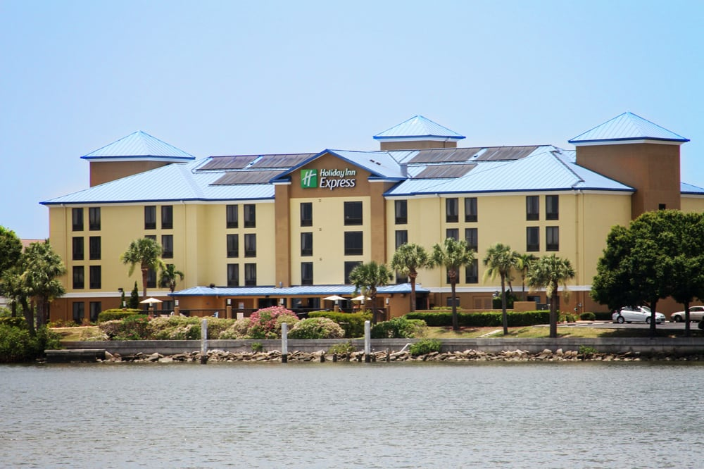 Holiday Inn Express & Suites Tampa/Rocky Point Island: 3025 N Rocky Point Dr E, Tampa, FL