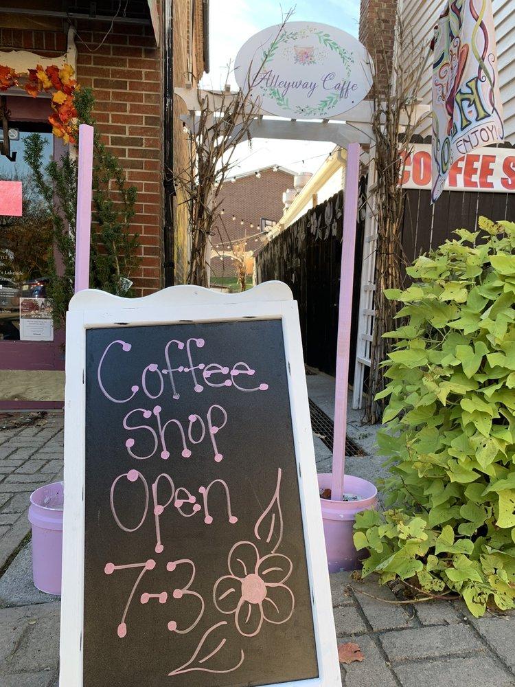 Alleyway Caffe: 147 E Main St, Dandridge, TN