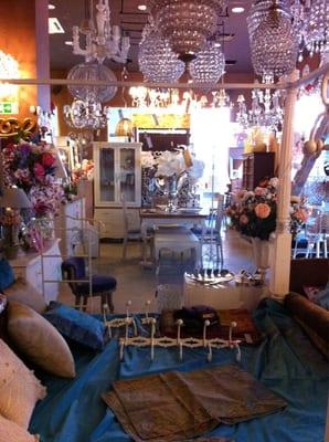 Katatori interiores tienda de muebles calle alginet 13 tomares sevilla espa a n mero - Telefono registro bienes muebles madrid ...