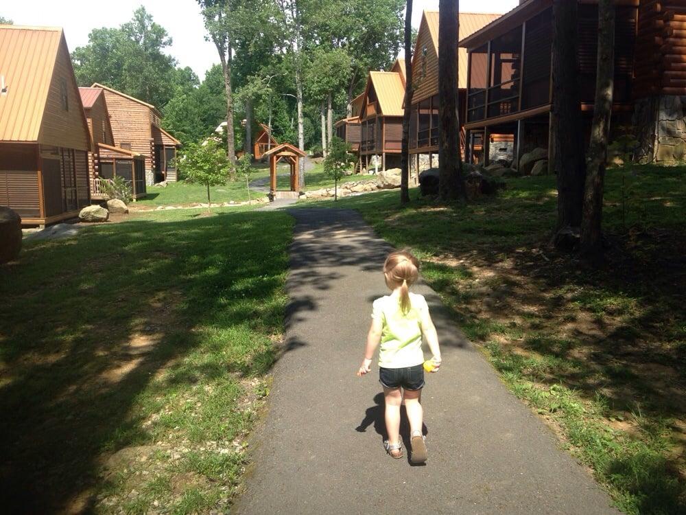 White Oak Lodge & Resort  - Slideshow Image 3