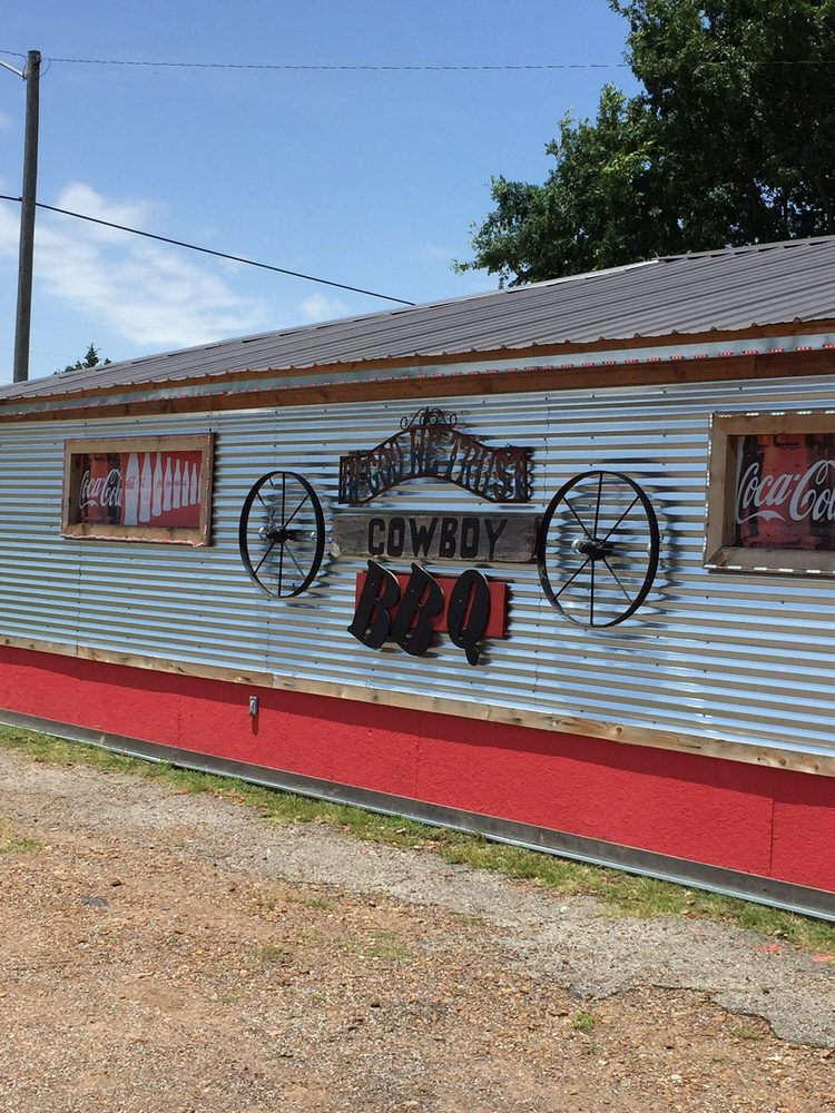 Cowboys BBQ: 601 SW C St, Antlers, OK