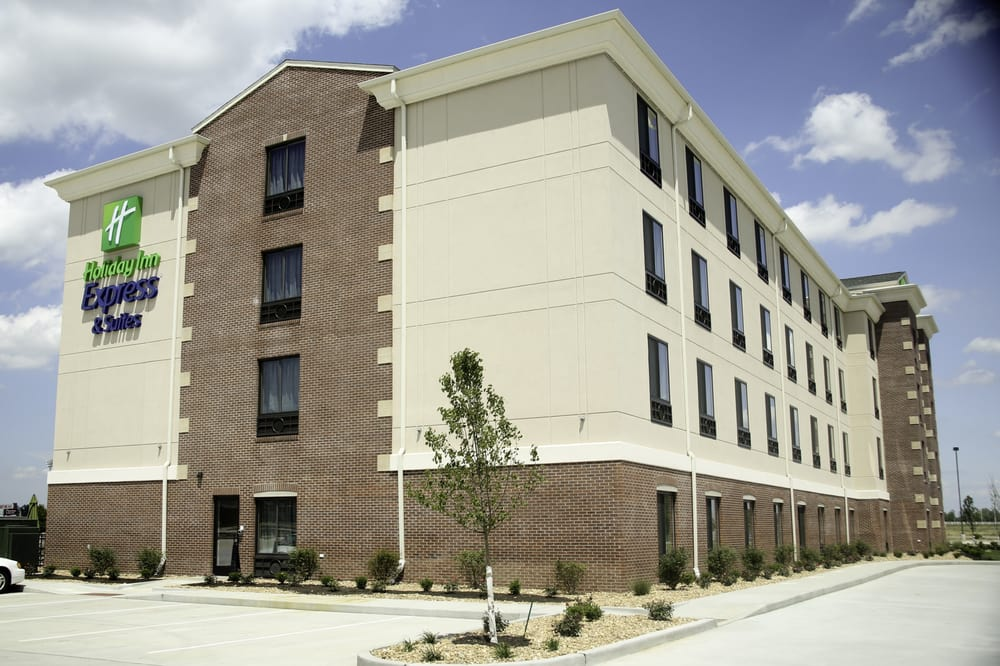 Holiday Inn Express & Suites Marion: 2609 Blue Heron Dr, Marion, IL