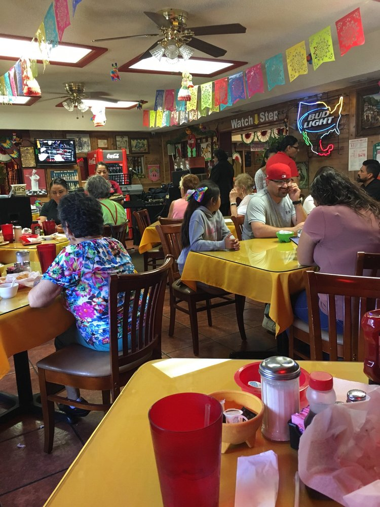 Las Margaritas Restaurant: 106 N Cage Blvd, Pharr, TX