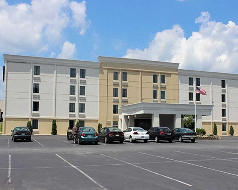 Quality Inn: 2415 Nazareth Rd, Easton, PA