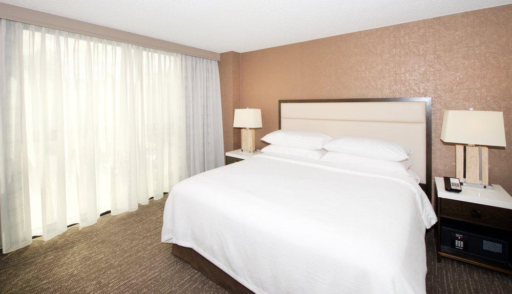 Embassy Suites by Hilton Seattle North Lynnwood: 20610 44th Ave W, Lynnwood, WA