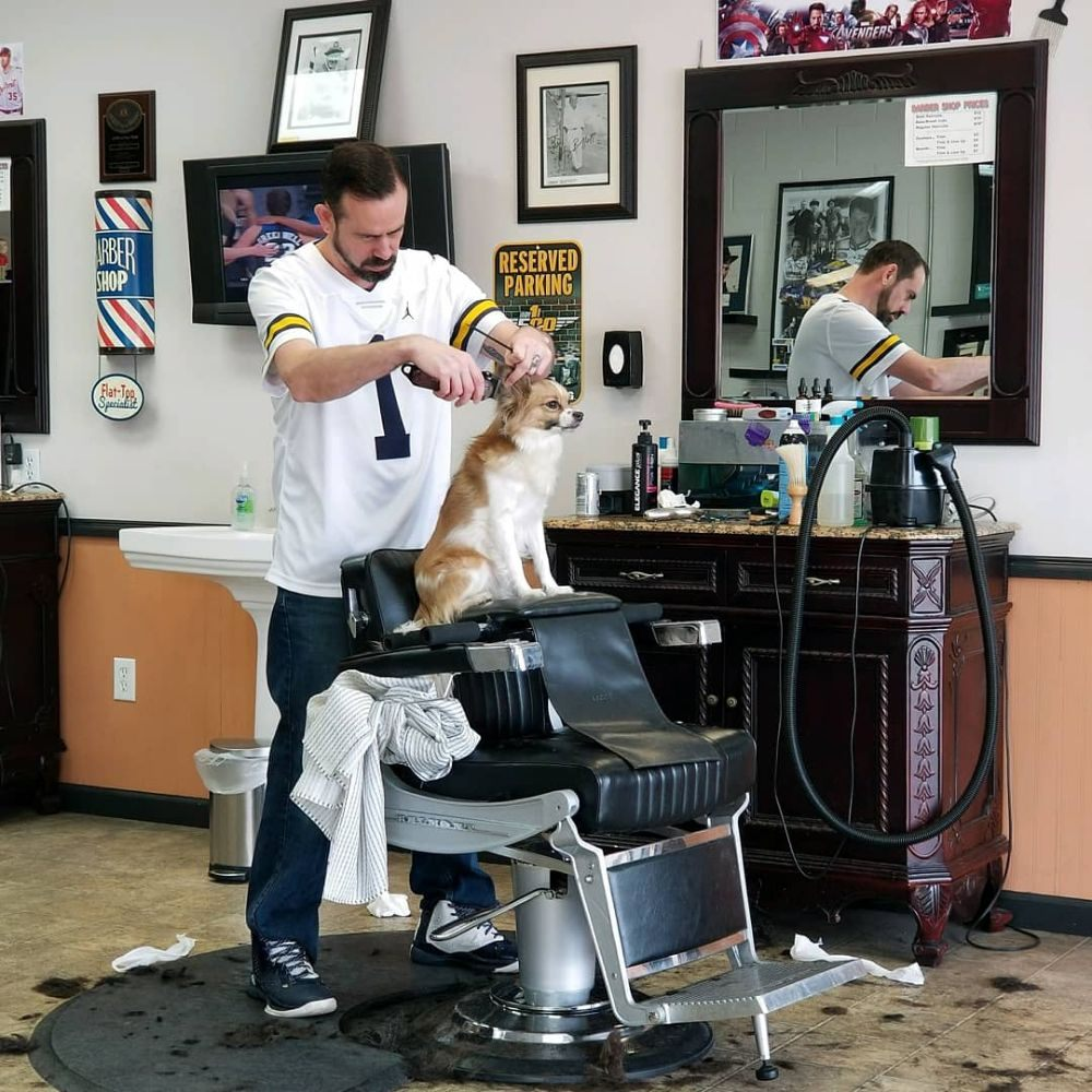 Forest Hills Barber Shop: 880 Forest Hill Ave SE, Grand Rapids, MI