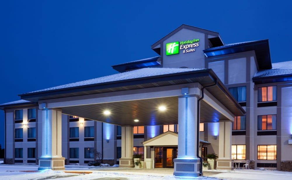 Holiday Inn Express & Suites Winner: 1360 E Hwy 44, Winner, SD