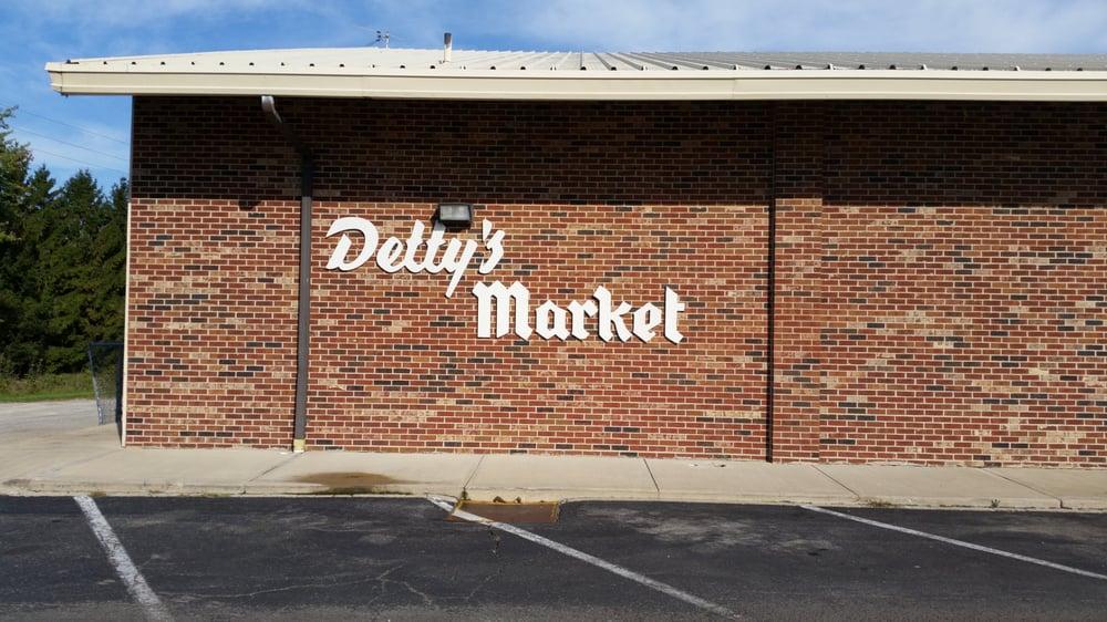 Detty's Market: 10 W High St, Jeffersonville, OH