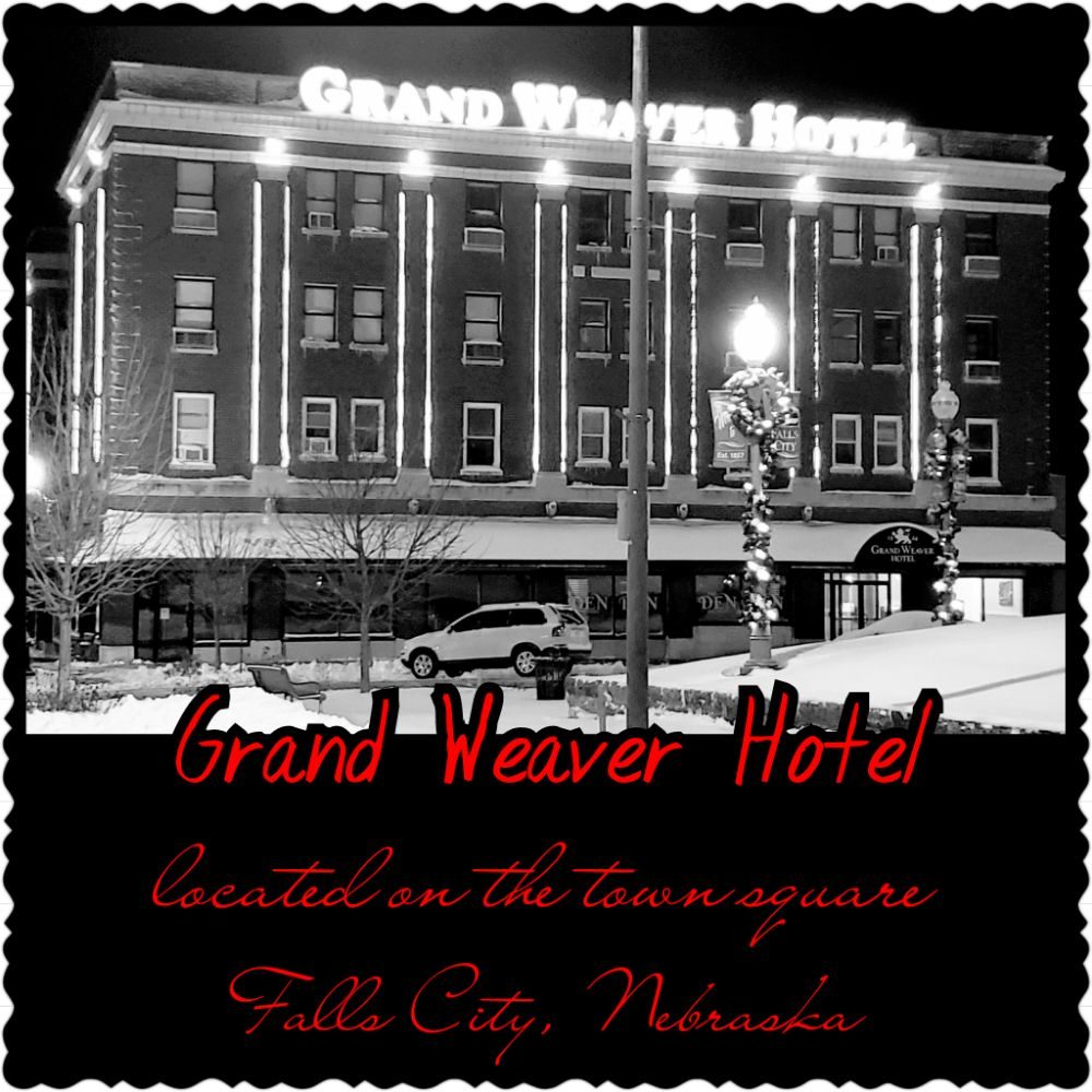 Grand Weaver Hotel: 1800 Stone St, Falls City, NE