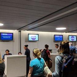Wow Air 15 Reviews Airlines Aeroport De Paris Charles De