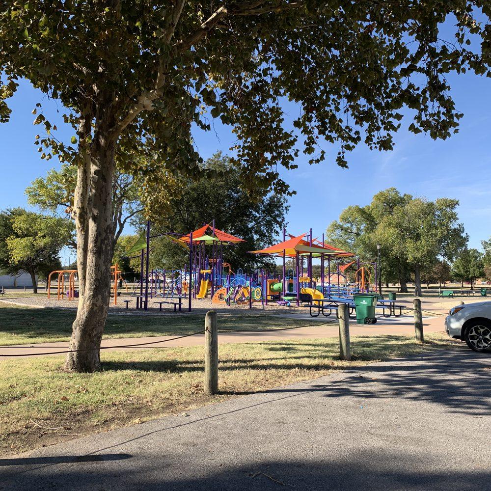 Burkburnett Friendship Park: Davey Dr, Burkburnett, TX