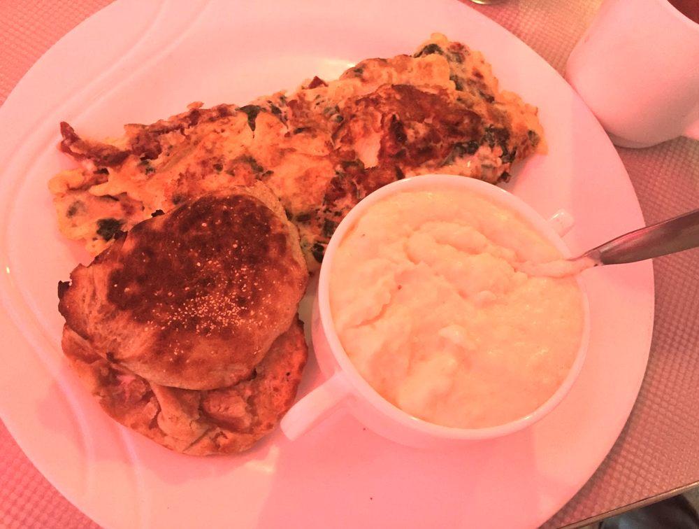 Georgie's Diner: 427 Elm St, West Haven, CT