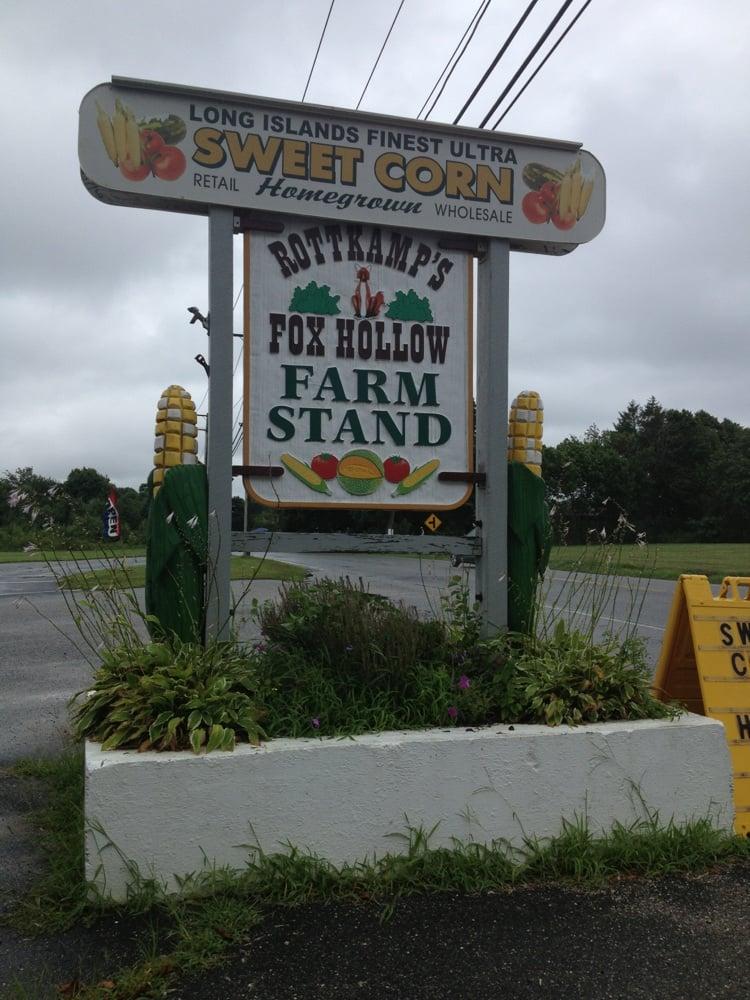 Rottkamp's Fox Hollow Farm Stand: 2287 Sound Ave, Calverton, NY