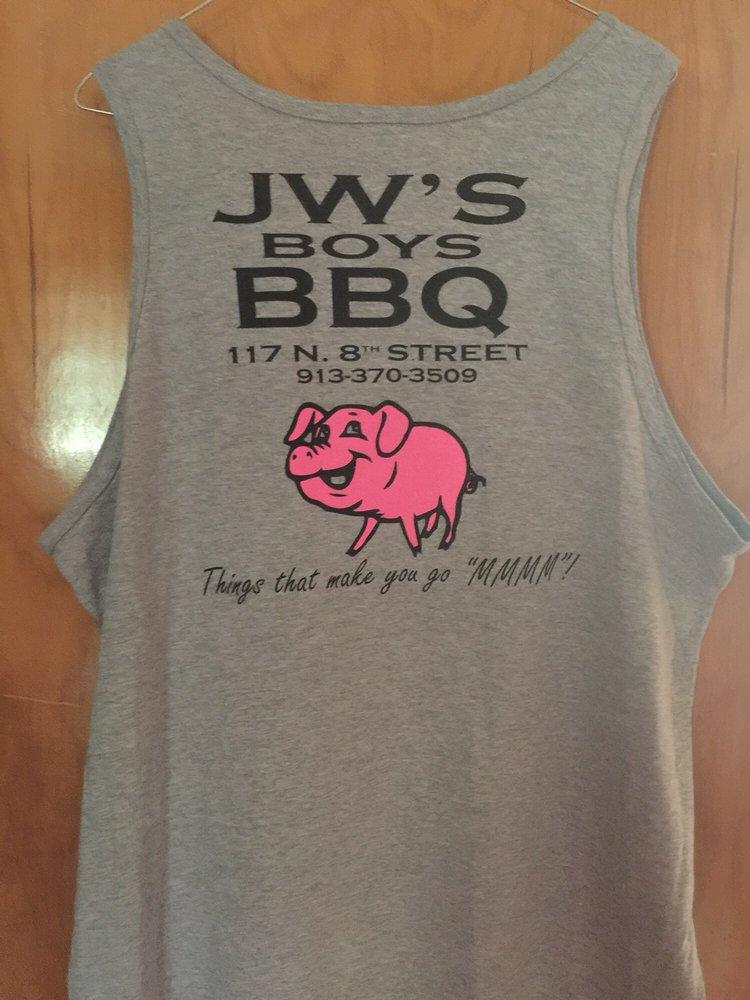 JW's Boys BBQ: 117 N 8th St, Atchison, KS