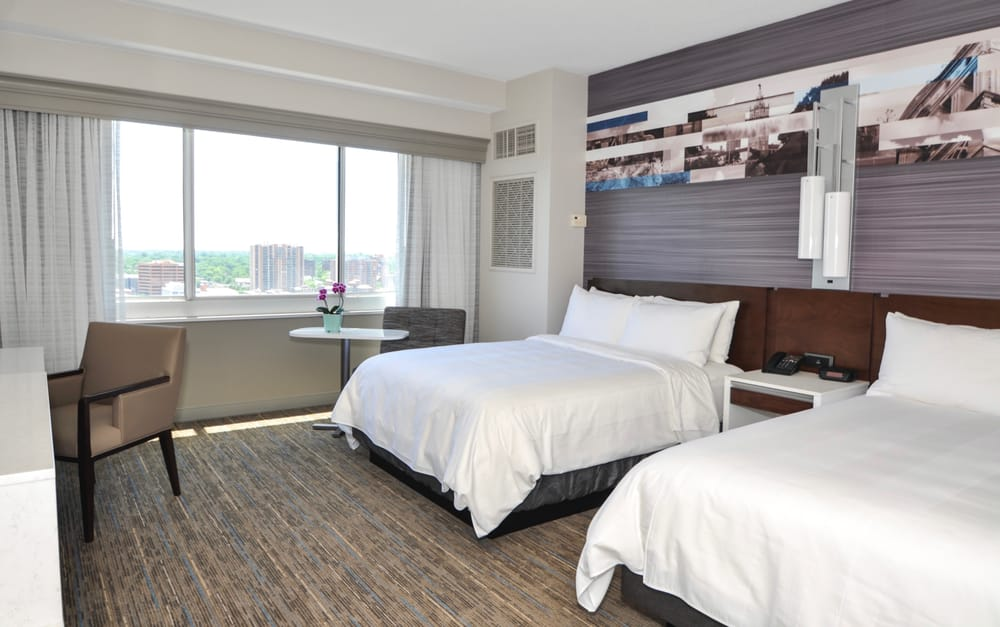 Kansas City Marriott Country Club Plaza: 4445 Main St, Kansas City, MO