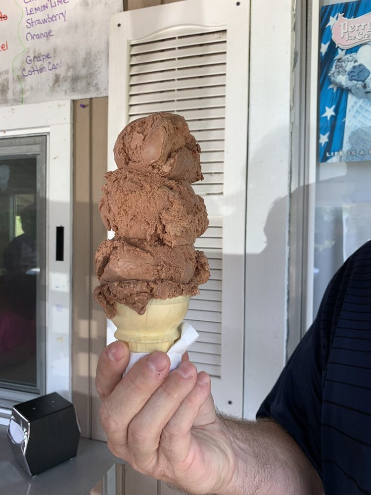 Backyard Icecream: 29036 State Route 171, Susquehanna, PA