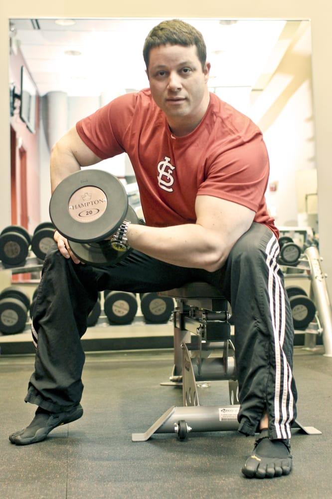 Red Fitness Lounge: 139 Carondelet Plz, Clayton, MO