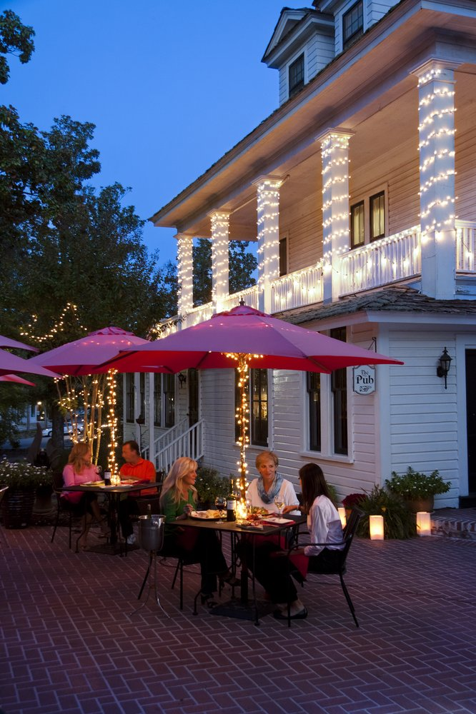 Magnolia Inn & Restaurant: 65 Magnolia Rd, Pinehurst, NC