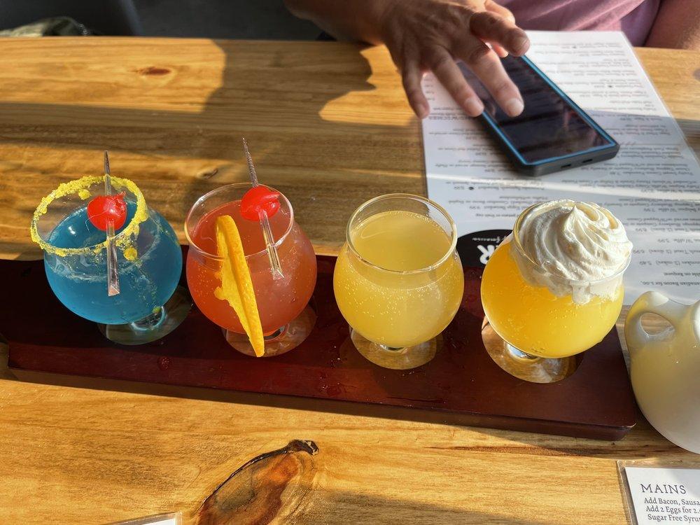 Breakfast Bar: 1940 Blairs Ferry Rd, Hiawatha, IA