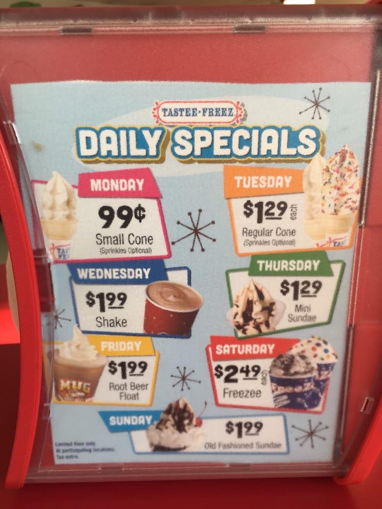 Tastee Freez: 805 W 3rd St, Mount Carmel, IL