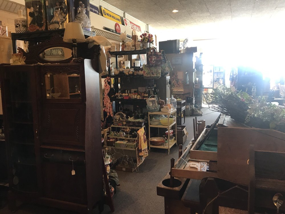 Amanda Furniture Store: 302 E Main St, Amanda, OH
