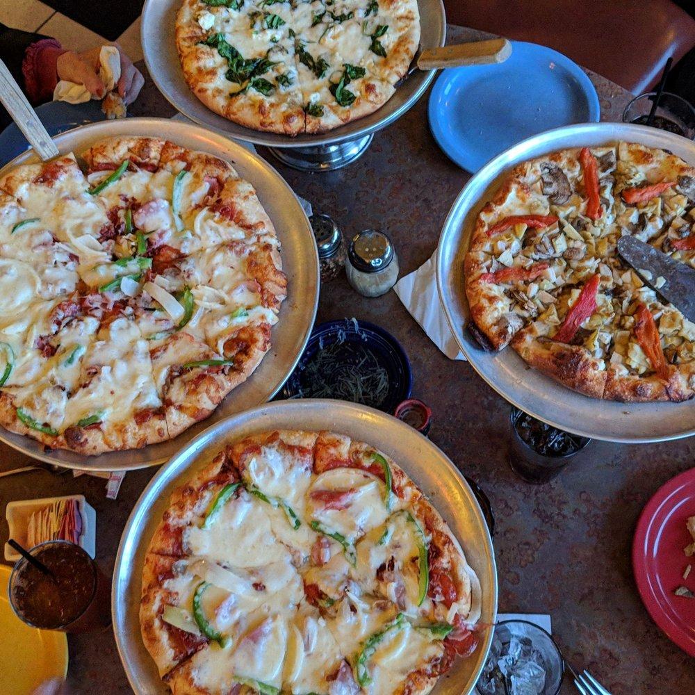 Pompeii's Pizzeria & Italian Eatery: 1120 Military St, Port Huron, MI