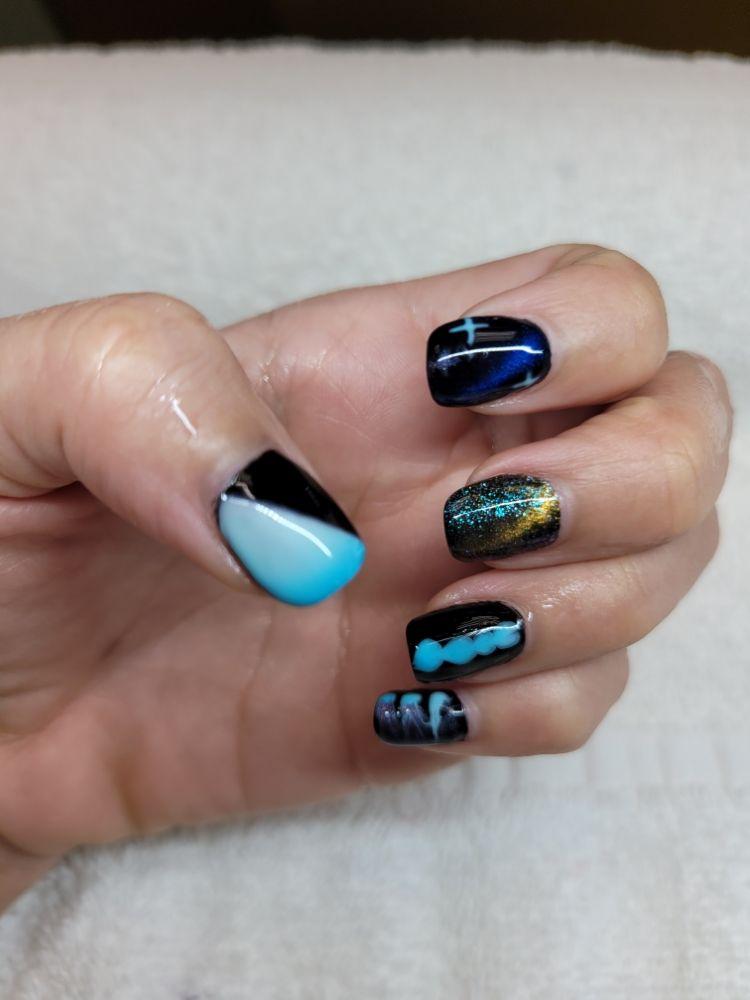 VN Nails: 7555 N La Cholla Blvd, Tucson, AZ