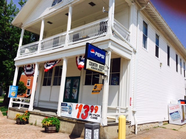 Country House Grocery: 501 Main St, Scales Mound, IL