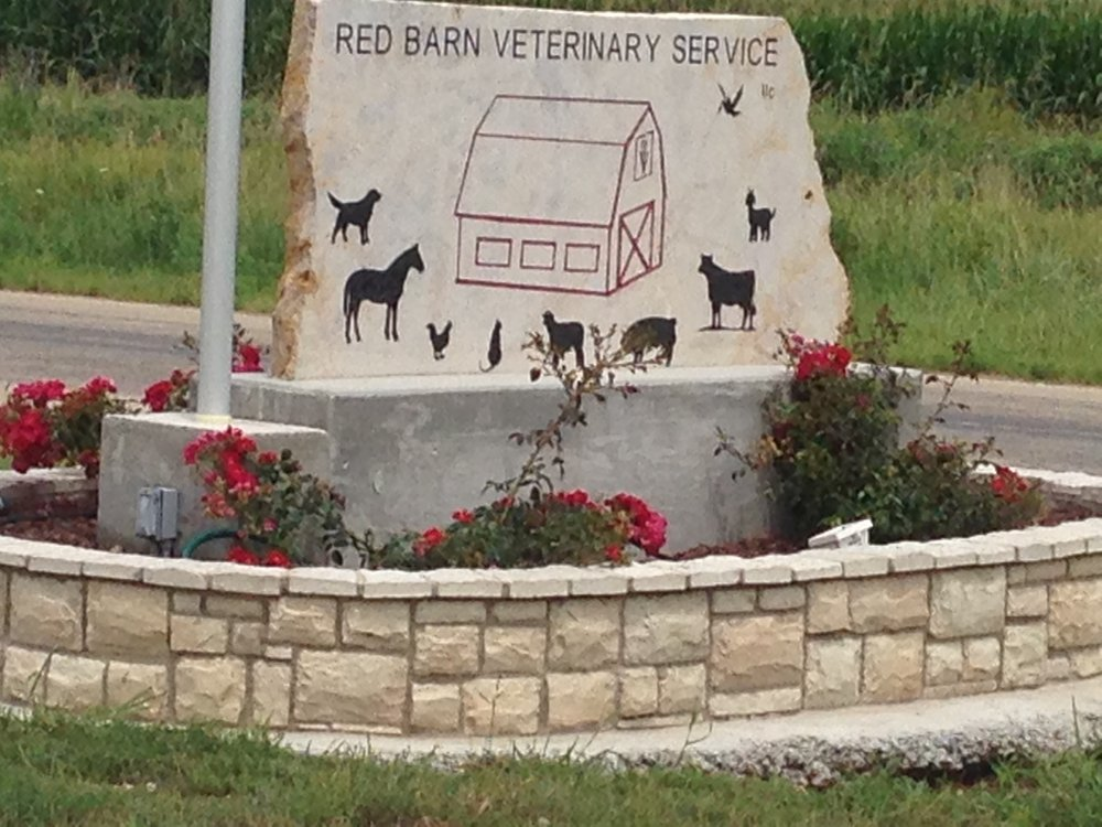 Red Barn Veterinary Service: 1520 1300th St, Iola, KS