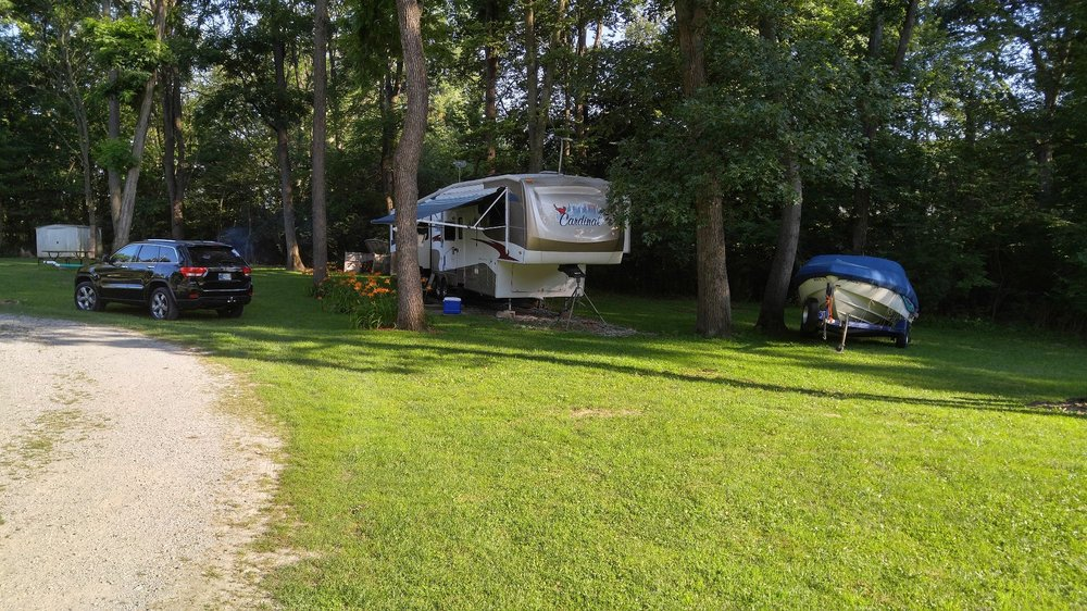 Walnut Ridge Campground: 10737 N Lower Lake Shore Dr, Monticello, IN