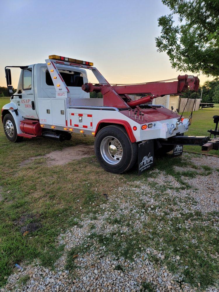 ASAP Towing and Heavy wrecker: Graceville, FL