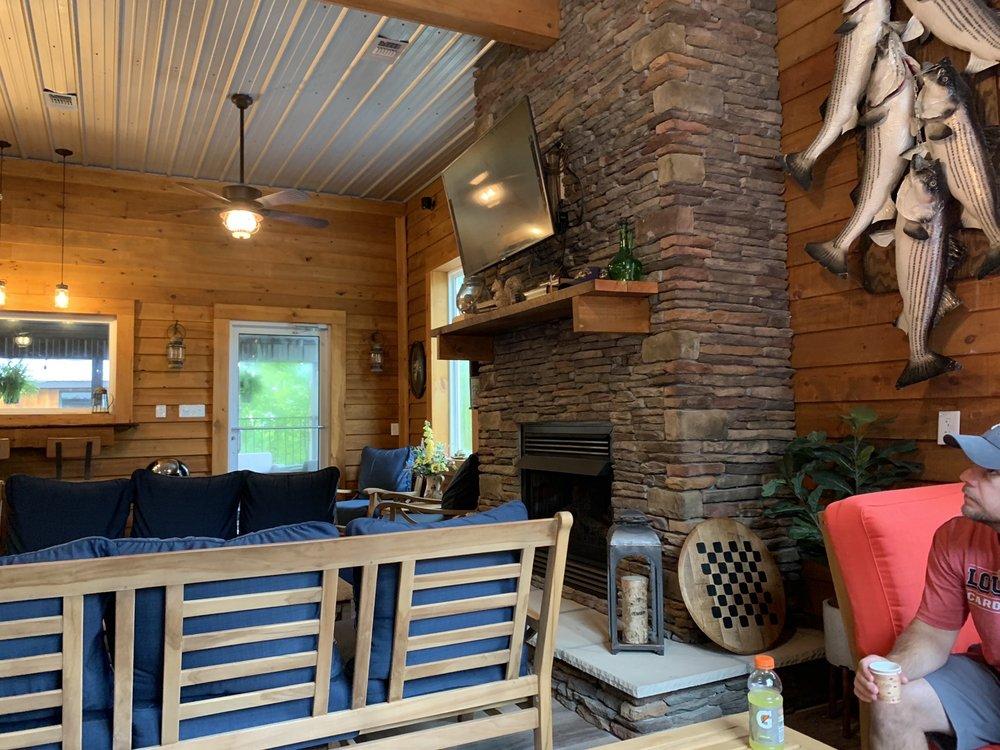 Timber Pointe Resort: 2671 S Hwy 92, Jamestown, KY