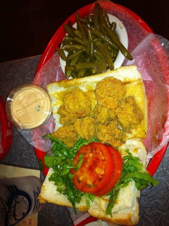 Shrimp po boy remoulade sauce and green beans very good for Soul fish menu