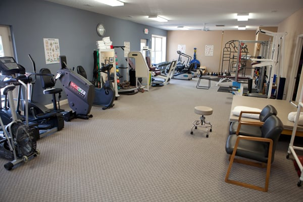 FYZICAL Therapy & Balance Centers: 219 2nd Ave, Edwardsville, IL