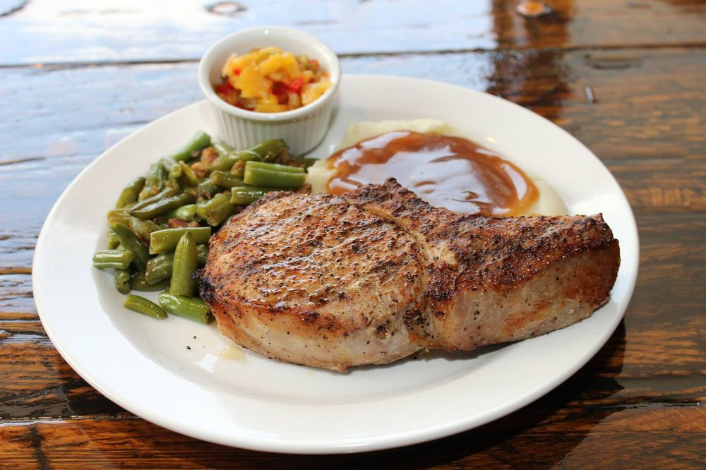 Rudy Alan's Steakhouse: 207 Commerce Dr, Wewoka, OK