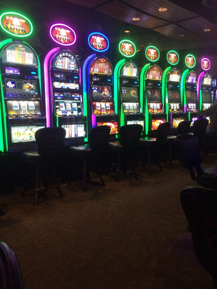 Casino: 121 W Lincoln, Bristow, OK