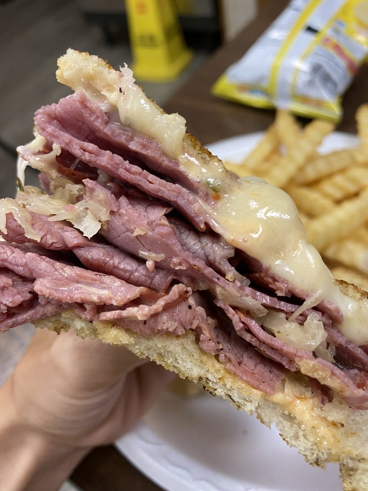Mobley's Sandwich Shop: 418 Gordon St, Blackshear, GA