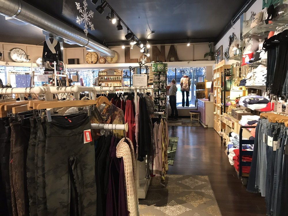Lana's Boutique: 400 State St, St. Joseph, MI