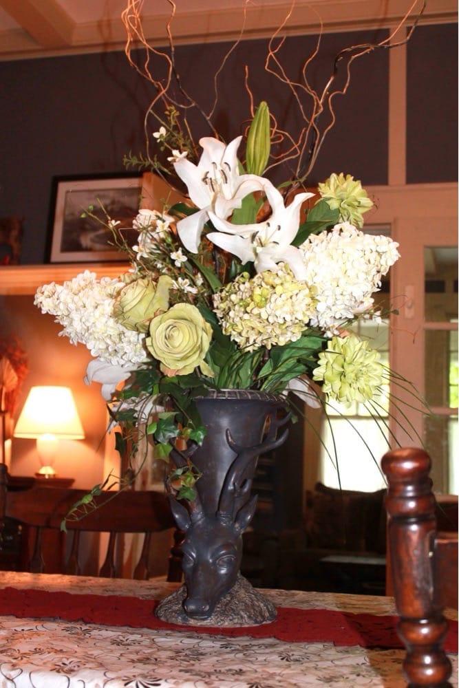 Michael Horne Florist: 305 Camden Rd, Wadesboro, NC