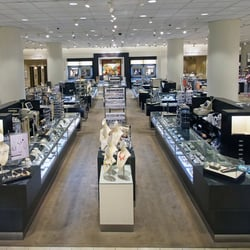 Nordstrom Roosevelt Field 106 Photos 105 Reviews Department Stores 630 Old Country Rd