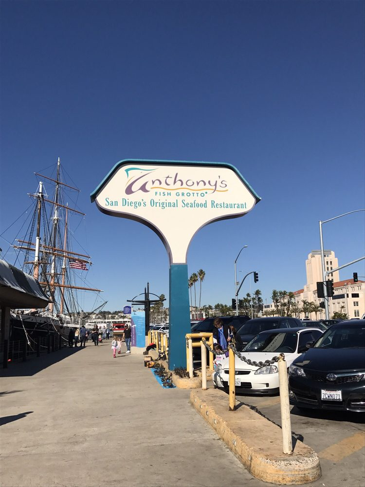 Anthony s fishette closed 263 photos 243 reviews for Anthony s fish grotto san diego