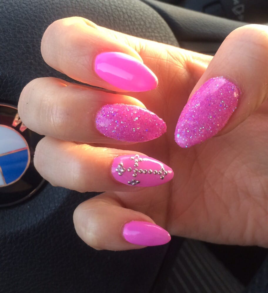 Stiletto Nail Salons Los Angeles: Calli's Stiletto Nails In Barbie Pink