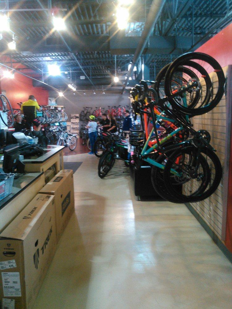 Trek Bicycle Columbus Dublin: 2720 Sawmill Place Blvd, Columbus, OH